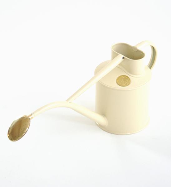 haws gie kanne 1 liter beige im greenbop online shop kaufen. Black Bedroom Furniture Sets. Home Design Ideas