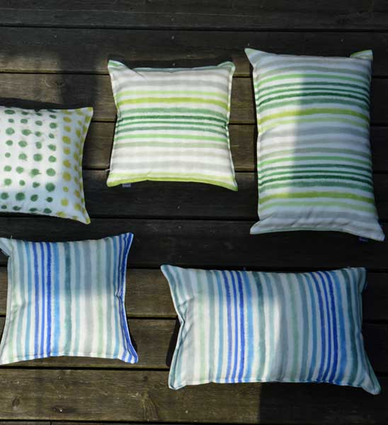 Outdoor kissen palasari gestreift im greenbop online for Loungemobel outdoor kissen
