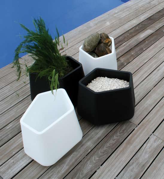 Design Pflanzkübel Rock-Garden Small | im Greenbop Online Shop kaufen