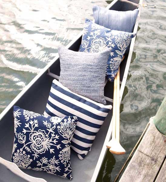 dash albert outdoor kissen dunkelblau gestreift 50x50 cm im greenbop online shop kaufen. Black Bedroom Furniture Sets. Home Design Ideas
