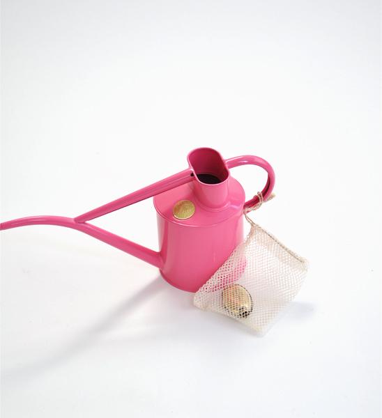 haws gie kanne 1 liter pink greenbop online shop. Black Bedroom Furniture Sets. Home Design Ideas